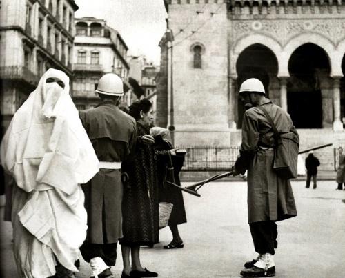 Détecteurs de mines en temps de Bataille d'Alger