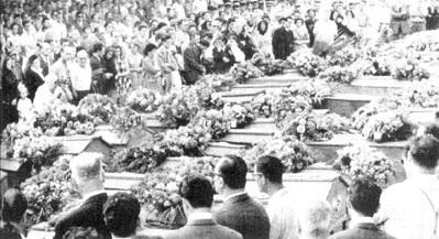cercueils alignés Philippeville  20 aout 1955