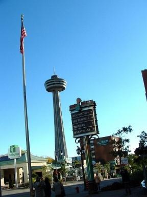 Canada:Niagara Falls,les chûtes du Niagara,les voir ou les approcher....