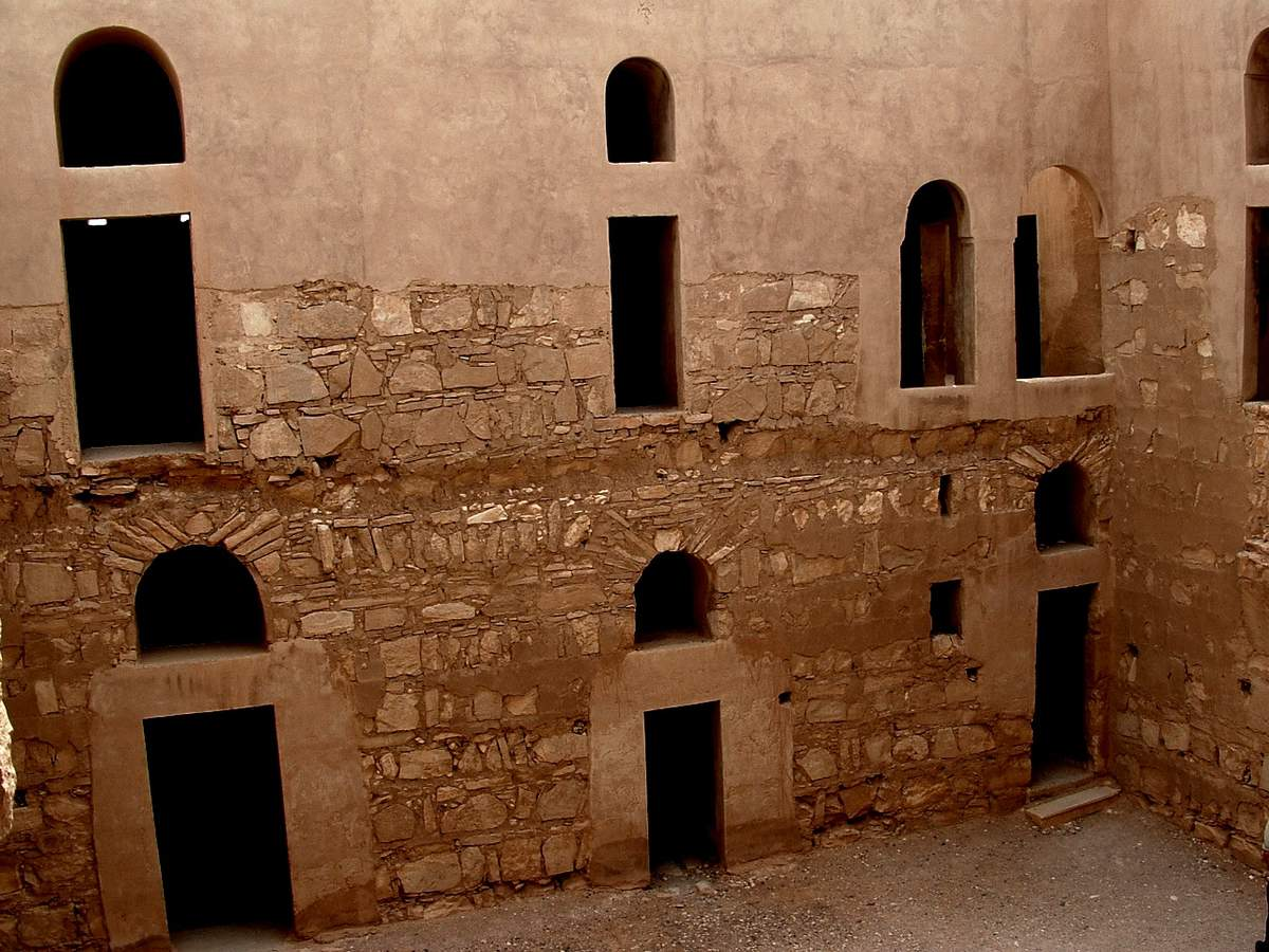 Jordanie : Les châteaux du désert , les vestiges de « Qasr-Kharaneh »